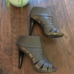 MOSSIMO gray caged heels